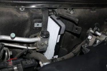 Как заменить фильтр салона на приоре?